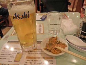 生ビールとザーサイ。