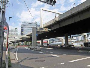 首都高羽田線浜崎橋交差点