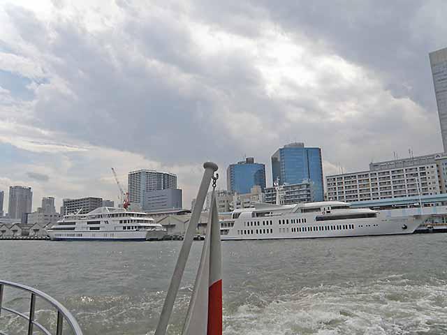 ナイトクルーズの客船